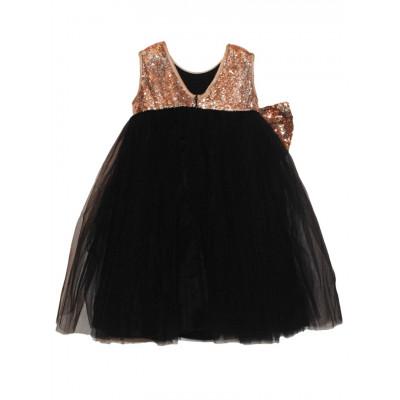 Платье с золотыми пайетками.С бантом на спине.