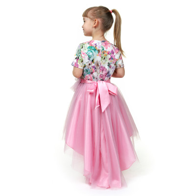 Платье с пышной юбкой и бантом.