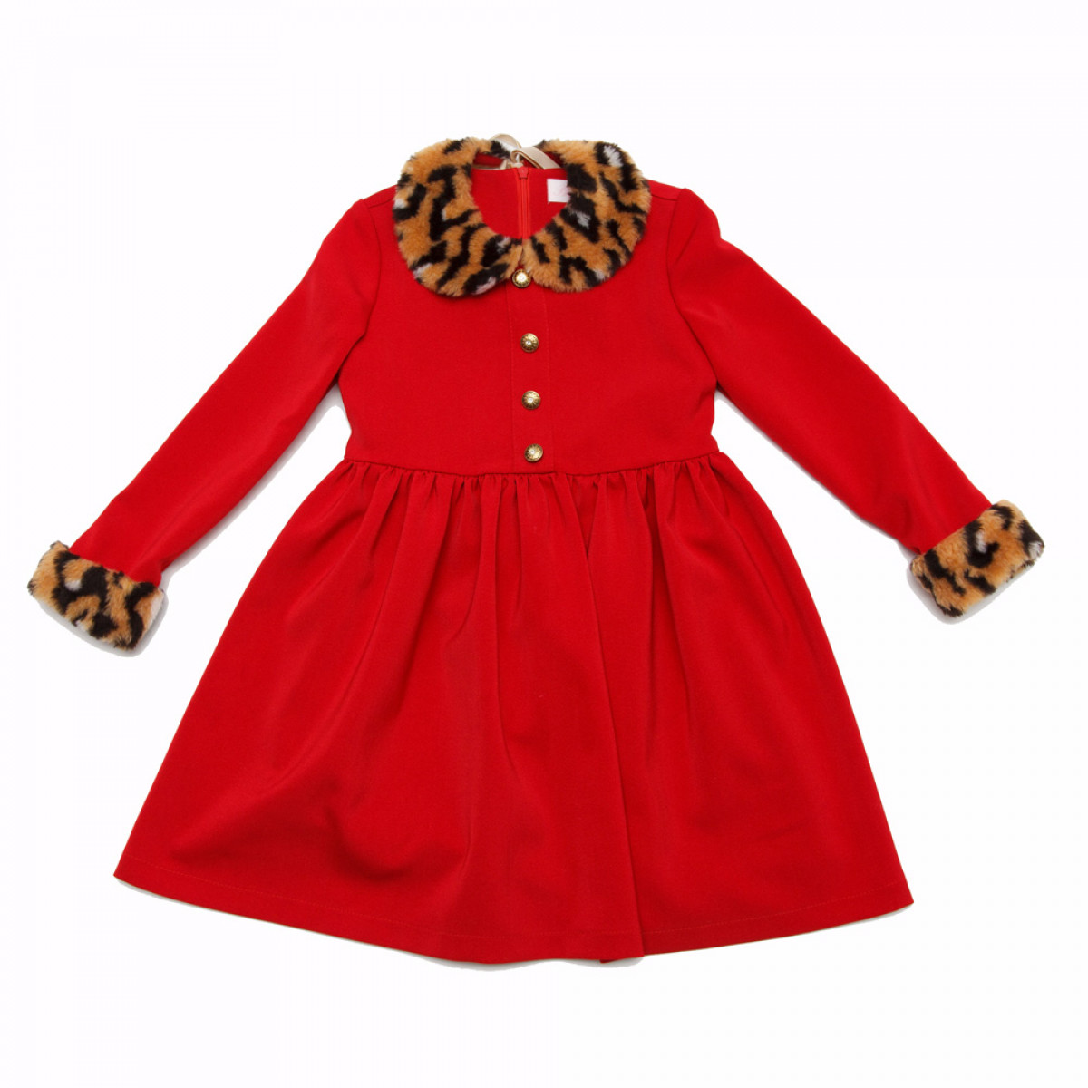 Платье с меховым воротничком.