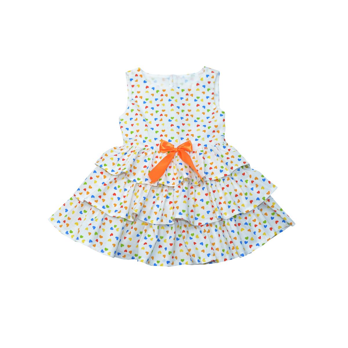 Платье для девочки с набивным принтом- сердечки.